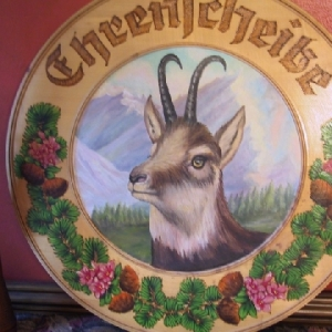 Though not a pet, the client wanted an authentic German Chamois painted onto the wood platten.