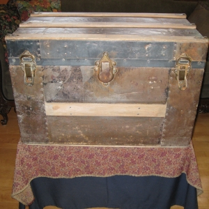 The client brought an old trunk with visions of flowers